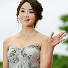 18th Puchon International Fantastic Film Festival (Pifan) Actress Jeong Yumi arrives at the red carpet event of the Pifan in Bucheon on July 17. July 17, 2014 Bucheon, Gyeonggi-do -Related Article- -Korea.net- -English- Film festival kicks off in Bucheon http://www.korea.net/NewsFocus/Culture/view?articleId=120658 Ministry of Culture, Sports and Tourism Korean Culture and Information Service Korea.net (www.korea.net) Official Photographer: Jeon Han This official Republic of Korea photograph is being made available only for publication by news organizations and/or for personal printing by the subject(s) of the photograph. The photograph may not be manipulated in any way. Also, it may not be used in any type of commercial, advertisement, product or promotion that in any way suggests approval or endorsement from the government of the Republic of Korea. If you require a photograph without a watermark, please contact us via Flickr e-mail. --------------------------------------------------------------- 제18회 부천국제판타스틱영화제(Pifan) 제18회 부천국제판타스틱영화제(Pifan) 개막식이 열린 17일 배우 정유미가 레드카펫을 밟으며 입장하고 있다. 2014-07-17 부천체육관(경기도 부천시 원미구 중동) 문화체육관광부 해외문화홍보원 코리아넷 전한